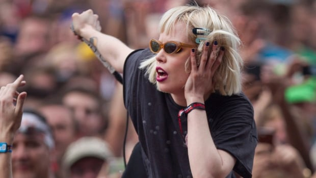 Canadian musician Alice Glass has posted a message online alleging abuse at the hands of her former Crystal Castles bandmate, Ethan Kath, dating back to when she was 15 and he was 25.
