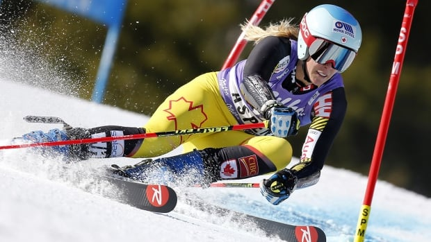 Vonn and Gut flop at World Cup slalom opener