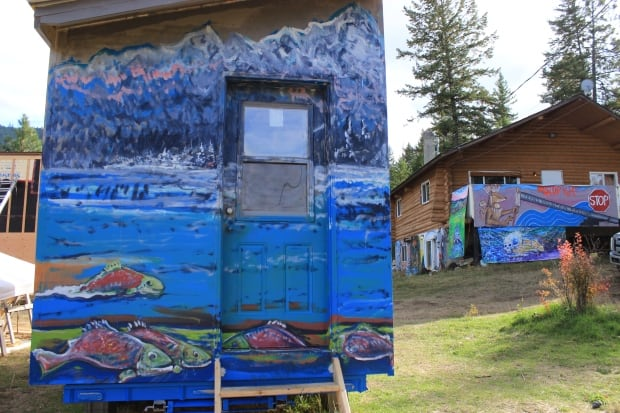 Tiny house murals