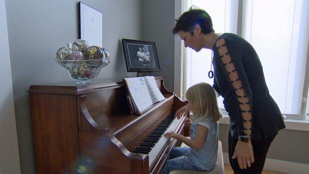 Natasha Bitsakakis-Pack and her 6-year-old daughter Avinna Pack