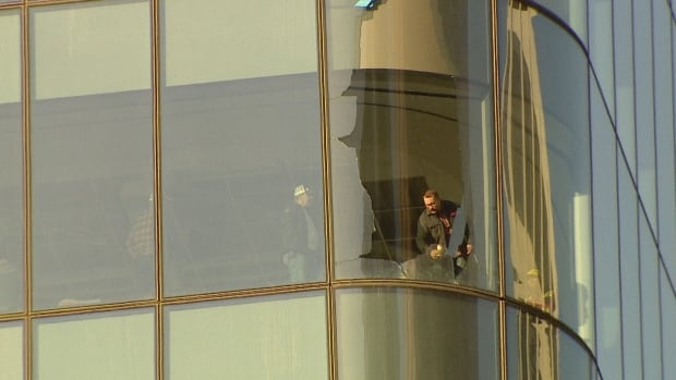 brookfield tower glass fell
