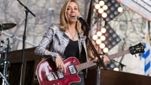 Sheryl Crow Performs on the Today Show