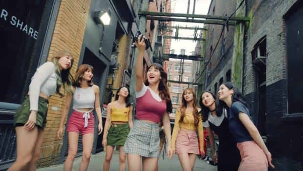 twice-likey-alley Is Vancouver the new Gangnam? Korean pop video filmed in Vancouver gets millions of views upon debut