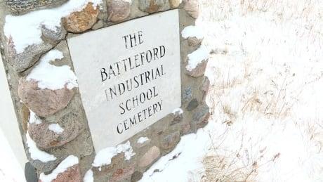 battle-river-cairn-cemetery