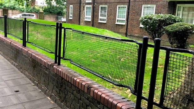 Stretcher railing