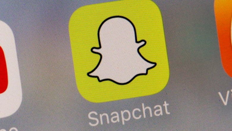 Snap loses users for the first time, beats on revenue | CBC News