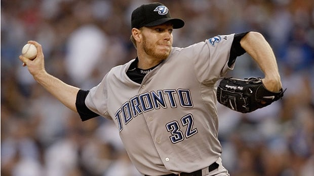 Former Toronto Blue Jays pitcher Roy Halladay died in a small plane crash on November 7, 2017.