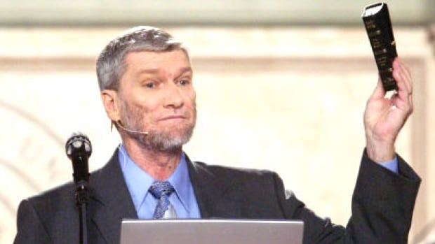 """U.S. creationist Ken Ham's Answers in Genesis ministry says it seeks 'to expose the bankruptcy of evolutionary ideas, and its bedfellow, a """"millions of years old"""" earth (and even older universe).'"""