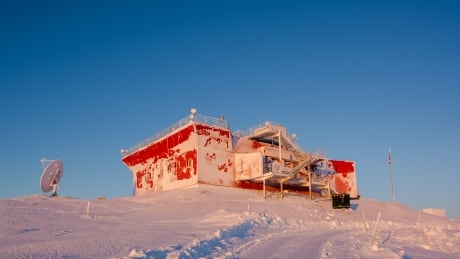 Polar Environment Atmospheric Research Laboratory  (PEARL)