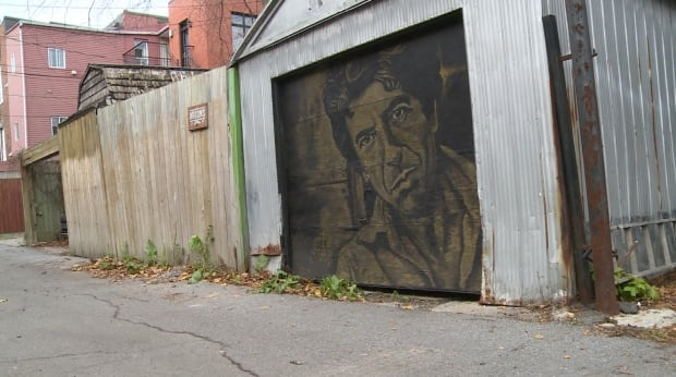 How do you fight graffiti in montreal paint a mural of for Mural leonard cohen