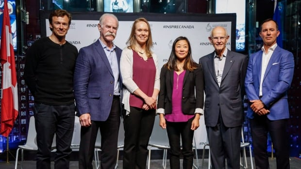 Canada's Sports Hall of Fame 2017 inductees, from left to right, Simon Whitfield, Lanny McDonald, Cindy Klassen, Carol Huynh, Dr. Charles Tator and Mike Weir.
