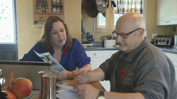 Holly MacIntosh and Alan Benninger purchased a five-year Sears extended warranty. Even though they have not used it and Sears is no longer honouring it, they were told they must continue to pay for it or risk a bad credit rating.
