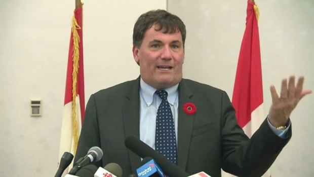 Fisheries Minister Dominic LeBlanc held a roundtable discussion with experts in Moncton Thursday to discuss how to protect North Atlantic right whales in Gulf of St. Lawrence.