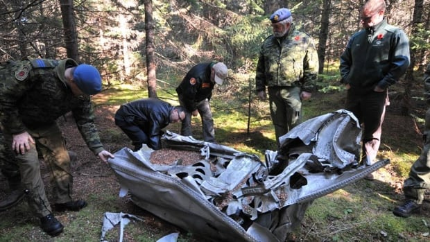 2 Second World War pilots killed in central New Brunswick woods honoured
