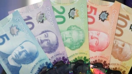 Vancouver criminals target elderly woman in bank scam