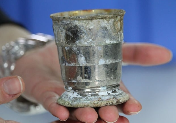 Collapsible metal cup found at France battle site