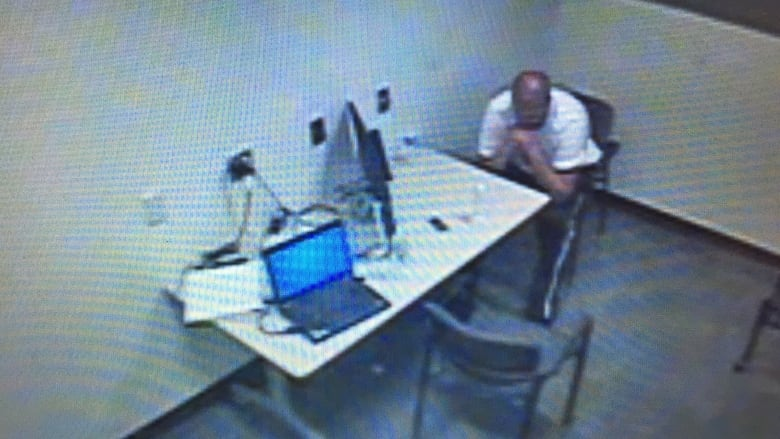 Accused killer's confessions ruled inadmissible because he ...