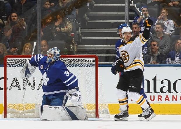 Bruins-Leafs-10112017