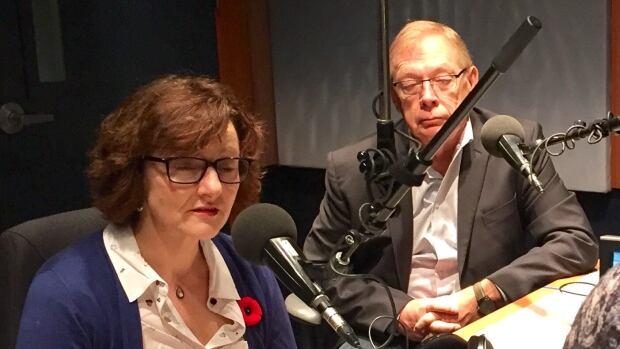 Winnipeg couple wins 1st theatre educator award for inspiring students | CBC News
