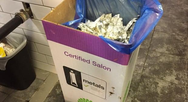 Tinfoil salon Green Circle bin