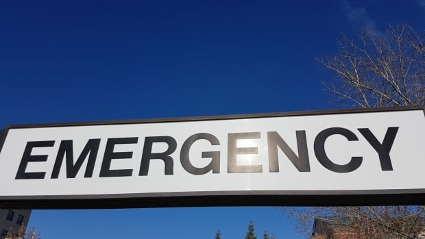 Carbon monoxide poisoning sends 3 to hospital in Winnipeg