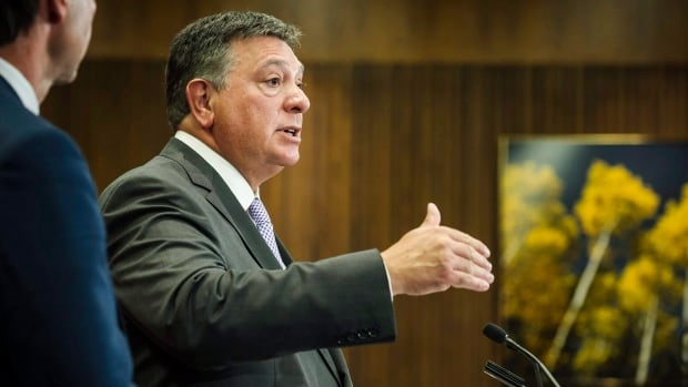 Ontario Minister of Finance Charles Sousa will be offering tax breaks for small business Tuesday when he delivers his final fall economic statement before the 2018 provincial election.