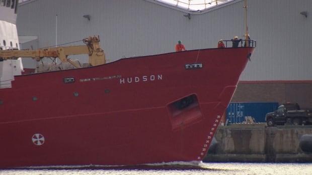 Hudson ship crew