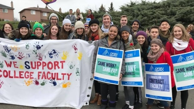 Students joined faculty at Sheridan College in Ontario on Monday to rally for fair wages and employment security for faculty and staff.