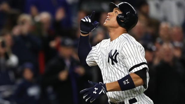 Aaron Judge is the first New York Yankees player to be named American League rookie of the year since Derek Jeter in 1996.
