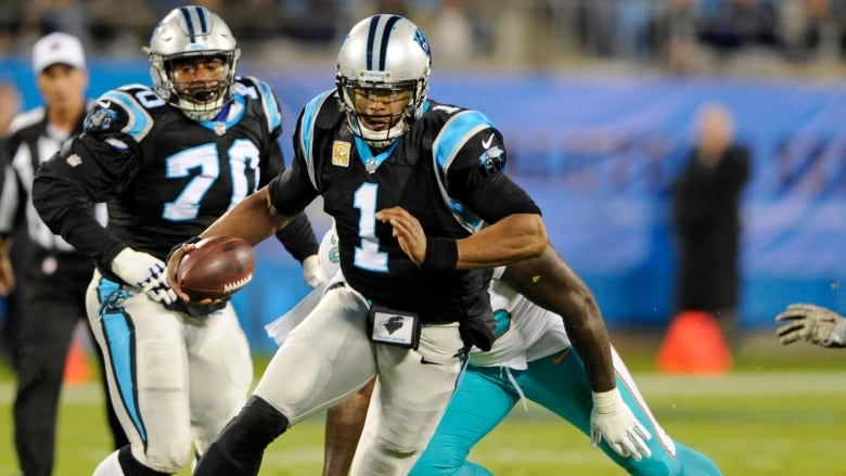 Cam Newton throws 4 TDs as Panthers crush Dolphins
