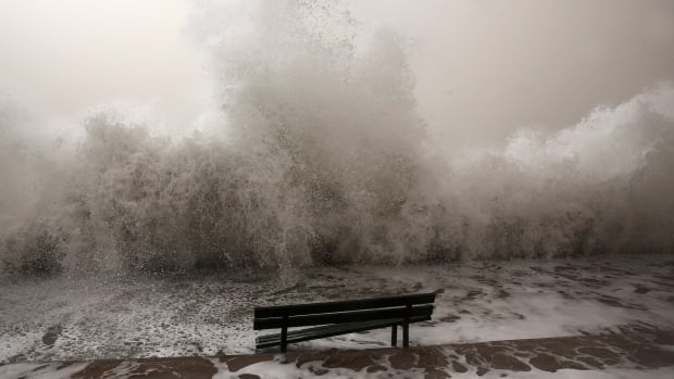 Strong wind warning issued for western Lake Erie.