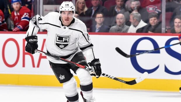 The Los Angeles Kings shipped Michael Cammalleri to the Edmonton Oilers in exchange for Jussi Jokinen on Tuesday