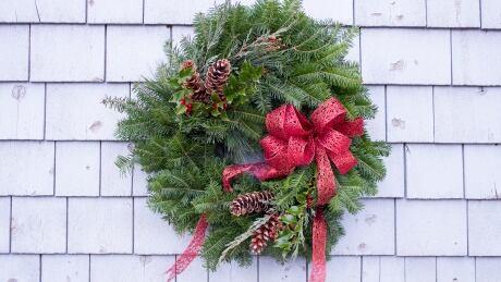 P.E.I. DIY: How to make your own Christmas wreath