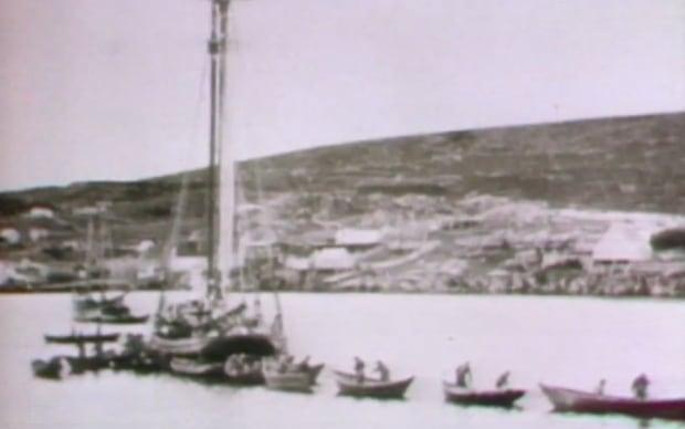 A Grand Bank schooner and dorymen