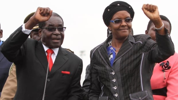 Mugabe talks with South African diplomats in Harare