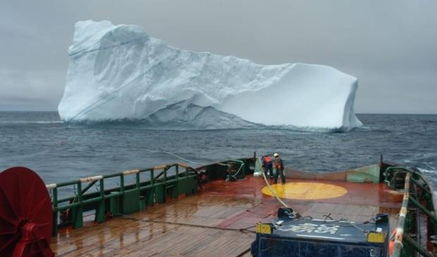 Towing icebergs C-CORE