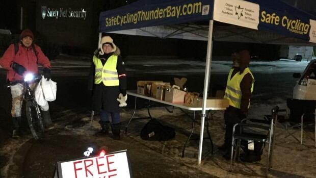 The City of Thunder Bay, Ont., and EcoSuperior began handing out free bike lights to cyclists on November 16. They have over 600 light kits to give away until November 30.