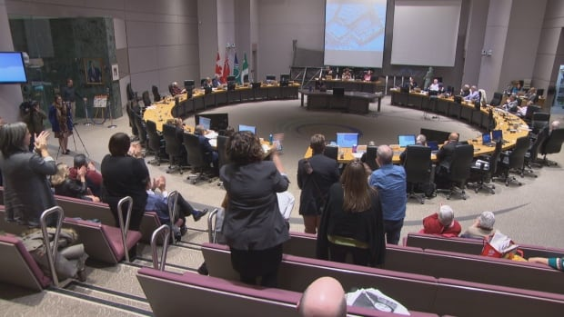 Dozens of Vanier citizens remained to the bitter end of a three-day meeting over the controversial Salvation Army proposal. They gave the Coun. Mathieu Fleury a standing ovation, even though the committee approved the complex.