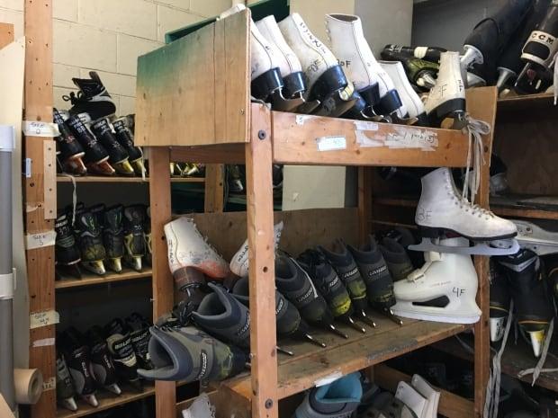 Toronto Dufferin Grove Loaner skates