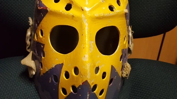 Winnipegger Bob Unger got the shock of his life when a curator from the Hockey Hall of Fame reached out to say they wanted his old mask after he posted a picture of it online.