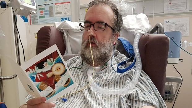 Since making a request for some mail back in September, Garfield MacLean has received more than 500 pieces of mail from all over the world to help him get through his extended hospital stay.