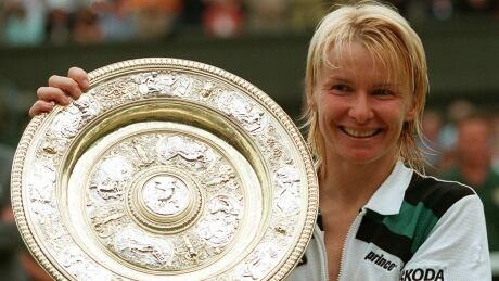 Jana Novotna, former Wimbledon champion, dies at 49 thumbnail