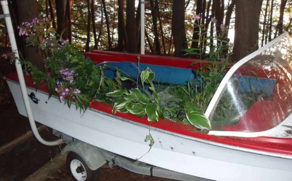 Carol Culleton thumb drive flowers boat