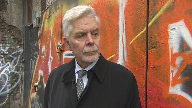 Dr. Bill MacEwan