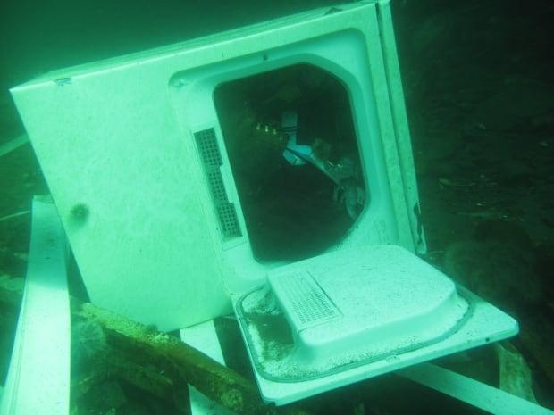 dryer on harbour floor