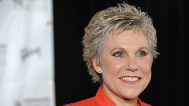 Anne Murray arrives at the Songwriters Hall of Fame induction ceremony in New York on June 19, 2008.