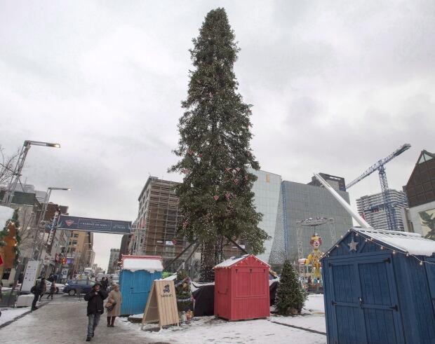 BRITE Montreal Ugly Xmas-Tree 20171122