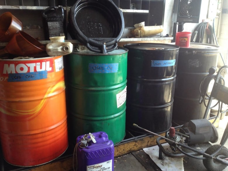 Recyclers make slick pitch with improvements to oil for Where can i drop off used motor oil