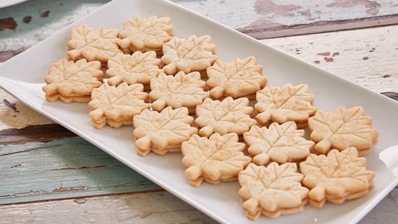 Recipe Maple Leaf Sandwich Cookies