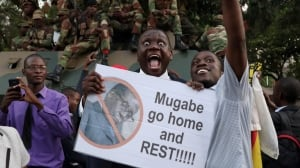 ZIMBABWE POLITICS Zimbabweans celebrate after Mugabe resigns